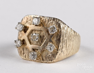14K yellow gold and diamond ring, 5.7 dwt.