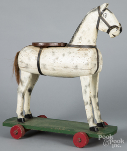 Painted pine horse pull toy