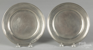 Pair of Connecticut pewter plates