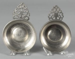 Two New England pewter porringers