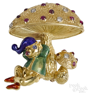 18K yellow gold whimsical mouse and mushroom pin