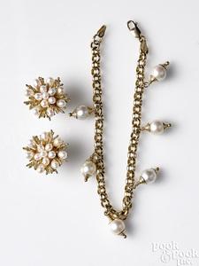 14K gold pearl set