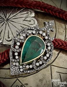 18K gold emerald and diamond pendant