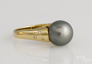 14K yellow gold Tahitian black pearl diamond ring