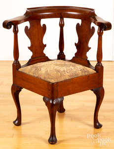 Pennsylvania Queen Anne walnut corner chair