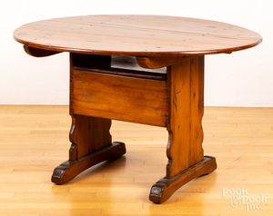 New England shoe foot chair table