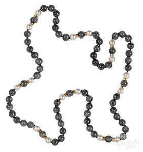 Gray jade beaded necklace