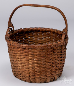 Split oak basket with swing handle