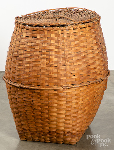 Large lidded basket