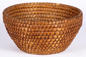 Pennsylvania rye straw basket