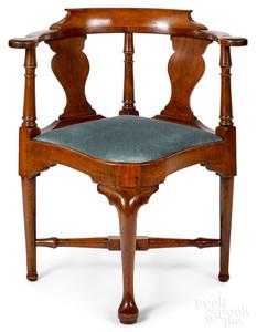 Massachusetts Queen Anne mahogany corner chair