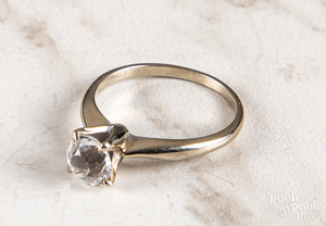 14K white gold gemstone ring