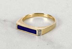 14K yellow gold enamel ring