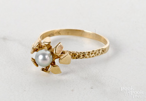 Scandinavian 14K yellow gold solitaire pearl ring