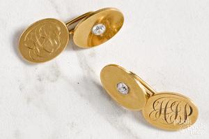 Pair of 18K yellow gold diamond cufflinks
