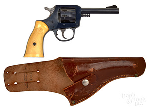 H & R model 922 double action revolver