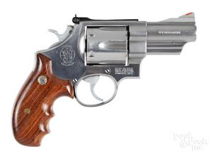 Smith & Wesson Lew Horton model 629-1 revolver