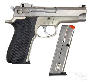 Smith & Wesson model 5903 semi-automatic pistol