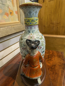 Chinese export famille rose porcelain vase
