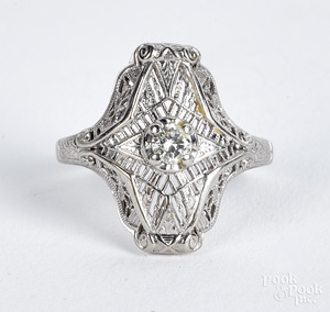 14K gold filigree diamond solitaire ring, 1.5 dwt