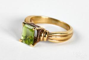14K gold and peridot ring