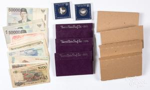 Three 1985 US proof sets, etc.
