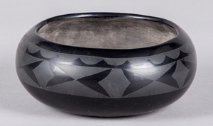 Maria & Santana, San Ildefonso black pottery bowl