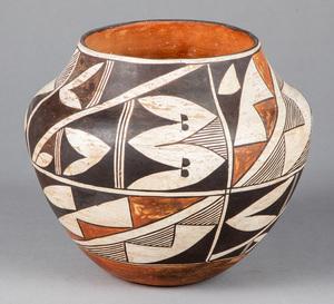 Acoma Pueblo Indian pottery vessel