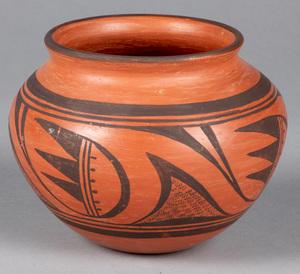 Hopi Indian pottery vessel