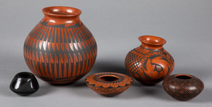 Contemporary southwestern Indian pottery vessels
