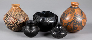 Five southwestern Indian pottery vessels, to incl