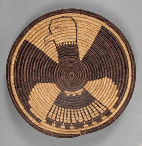 Large Pima Indian eagle basketry tray, 22 1/4