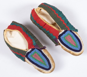 Pair of Delaware Indian youth moccasins, with bea