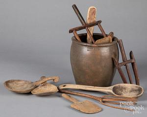 Pennsylvania stoneware crock, 19th c., etc.