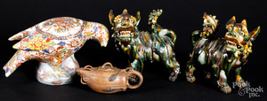 Pair of Chinese sancai foo lions, etc.