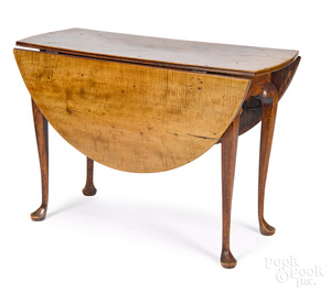 New England Queen Anne tiger maple drop-leaf table