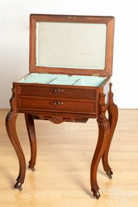 Victorian walnut dressing table, 19th c.