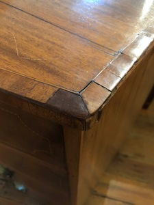 Federal mahogany bowfront chest of drawers