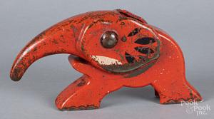Vindex cast iron elephant nutcracker