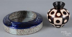 Peru pottery vase, by Valeriano Paz