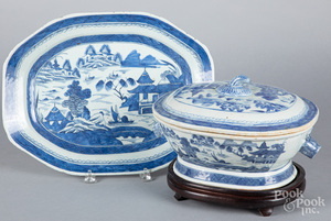 Chinese export porcelain Canton tureen and platte