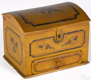 Pennsylvania painted dome lid box