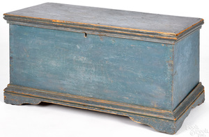 Child's painted pine blanket chest, early 19th c.