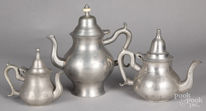 Three pewter teapots, 18th/19th c.