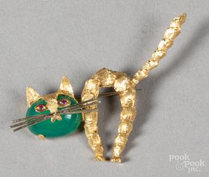 18K gold and jade cat brooch