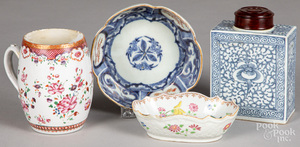 Four pieces of Chinese export porcelain