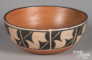 Contemporary Santo Domingo Pueblo bowl