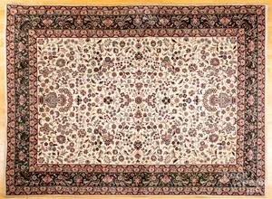 Roomsize oriental carpet, 12' x 8'10