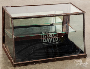 Eveready Daylo flashlight counter top display case