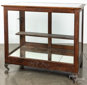 Ideal Oak floor model showcase
